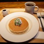 80190799 - プレーンパンケーキとプレミアムコーヒーS