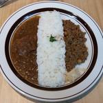 80192789 - カリー2種盛り・ポークビンダルカリー&ラム肉とひよこ豆のキーマカリー(季節限定カリー)