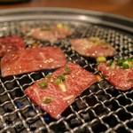 80192849 - 「焼肉」。 豚タン・カルビ・ハラミを盛合せ