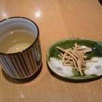 80196290 - そば茶と揚げそば(お通し?)