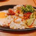 うどんダイニング 弥栄 - 地鶏の鉄板焼き