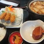 五右衛門 - 味噌煮込み&カキフライセット1,250円、何とドリンクバー付だ!