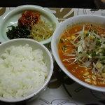 アジアン料理 友 - みそラーメン定食