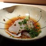 菊鮨 - ◆トラフグ・・表面は軽く炙ってあり、梅入りポン酢醤油でいただきます。 河豚は厚く切られているので甘みを感じますし、ポン酢のお味もいいこと。