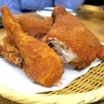 全力鶏 - 丸鶏の素揚げ(半身)¥980