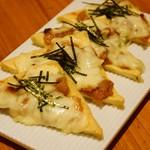 mammacafe151A - 油揚げ肉味噌ピザ(夜メニュー)