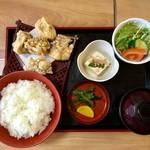 阿蘇 丸福 - から揚げ定食(骨なし)/800円のごはん大盛り(+50円)