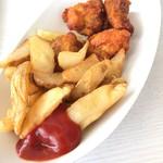 パルパル - 料理写真:ポテト&唐揚げ