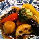 酒蔵レストラン宝 - 野菜と豚の黒酢餡