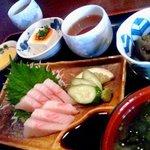 お食事処 明神 - さわらの刺身定食が650円!