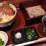 80211841 - ミニカツ丼定食