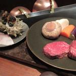 ミディアム・レア  - 鉄板食材