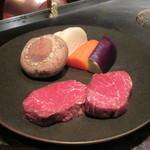 ミディアム・レア  - 黒毛和牛フィレと九州野菜