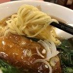 熊猫飯店 - 麺は中太ストレート