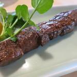 80214875 - 数量限定 豊後牛 頂 フィレ肉の串焼き