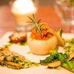 デイライトキッチン - まるごとカブとテンペ入り根菜のトマト煮のファルス