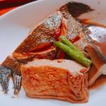 博多もと山 - カレイの煮付けは味もしっかり入っていて美味しいです♪