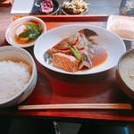 博多もと山 - カレイの煮付け定食