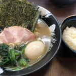 濃厚豚骨ラーメン 家家家 - 料理写真:家系のりらーめん+煮卵