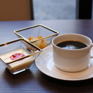 食後ものんびりできる豊富なカフェ&デザート☆