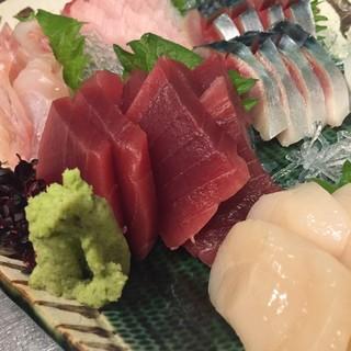 毎日築地から仕入れる新鮮鮮魚!