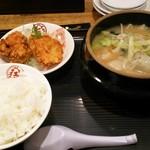 大阪王将 - 料理写真:白湯餃子鍋定食