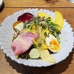 ミネット - 料理写真:ランチのサラダがステキでした
