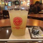 カフェ・ベローチェ - グレープフルーツジュース(L)280円だったかな? 普通サイズなら240円 どっちか忘れた(・_・;