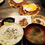 お好み焼き・鉄板焼き よしもと - テッチャン玉+モダン(そば)+定食セット