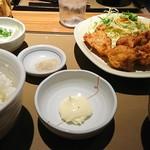 やよい軒 - 料理写真:唐揚げ定食