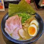 80236948 - 特製濃厚鶏醤油らーめん(黒)1000円