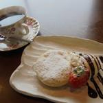 80237100 - デザートは小さめのパンケーキ・コーヒー