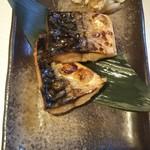 炉端 調風 - 鯖岩塩焼き