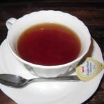ビストロ がぶり - 飲み放題ドリンク「紅茶(ミルク)」