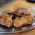 地鶏屋 - 唐揚げ