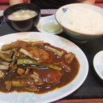 八方亭 - 料理写真:サービスメニュー 豚肉と茄子の辛味噌炒め 800円
