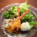 Tuche - ランチのサラダ