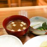 ぽん太 - 味噌汁とお新香