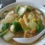 80252801 - 緑が多い?(笑)広東麺。旨し。