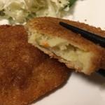 松丈 - カレー味がかくし味のコロッケ