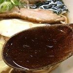 らーめん チキント - 【2018.1.16】カツオの風味を効かせたスープに丸大豆醤油のカエシ。