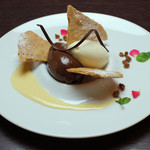 Trattoria La Cenro - 料理写真:生チョコクリームと塩サブレ バニラアイスを添えて