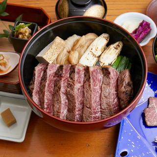 【ランチ】お昼の会席コース/名物の冷麺・温麺や焼肉重ご提供