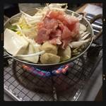 大衆酒場 酒呑んで飯食って蛙之介 - 食べ呑みコースの鍋