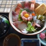 賢島グランドホテル - 料理写真:海鮮丼