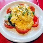 8027914 - 卵とトマトのふわふわサラダ