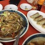 80272377 - 肉野菜炒め(単品)                       餃子¥450