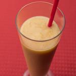 カフェコルソマルケ38 - 7種類のフルーツが入ったジュース「フルラーティ」