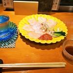 錦 - 本クエ薄造り & 冷酒