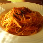 インコントロ - 鶏肉とキャベツのトマトクリームスパゲティー(横から)
